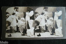 STA952 Scène de genre Bataille d'oreillers enfants Photo 1900 STEREO stereoview