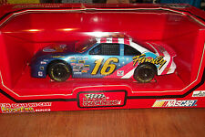 TED MUSGRAVE #16 FAMILY CHANNEL NASCAR 1995 RACING CHAMPIONS 1:24 SCALE (66)