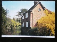 POSTCARD BERKSHIRE HOUSE BY THE WATER - HUNGERFORD -