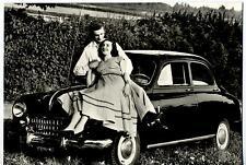 Girl & Car Automobile Motori Coppia con Fiat 1400 Berlina PC 1950s Vera Foto 15
