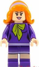 LEGO SCOOBY-DOO MINIFIGURE DAPHNE PURPLE FEMALE CARTOON MYSTERY MANSION 75904