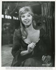 SHANI WALLIS OLIVER! 1968 VINTAGE PHOTO ORIGINAL #2
