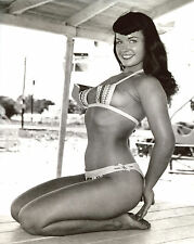 Bettie Betty Page Leggy 8x10 photo T3471