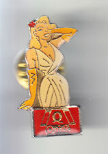 RARE PINS PIN'S .. FILLE SEXY GIRL PIN-UP HAMBURGER RESTAURANT QUICK BLONDE ~CG