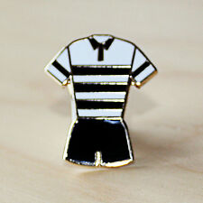 BLACK & WHITE HOOPED RUGBY LEAGUE KIT ENAMEL BADGE - HULL COLOURS