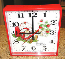 Vintage Strawberry Shortcake Battery Operated Wall Clock 1981  Welby by Elgin