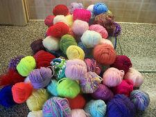 PALLINE di lana per lavoro a maglia 250 a 280 Grammi Misto vicino