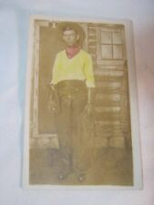 ANTIQUE STUDIO PHOTO OF MAN IN COWBOY WESTERN OUTFIT  POSTCARD       T*