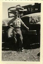 PHOTO ANCIENNE - VINTAGE SNAPSHOT - MILITAIRE CAMION CHAPEAU -MILITARY TRUCK HAT