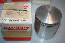 Yamaha  snowmobile nos piston sw,sl,ew,el,tl,tw 433  vintage  1970-74