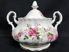 LAVENDER ROSE LIDDED SUGAR BOWL, GOOD CONDITION, MADE IN ENGLAND, ROYAL ALBERT