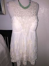 StuNNing! BOSTON PROPER Ivory Eyelet Smocked Embroidered Sweetheart Top Blouse M