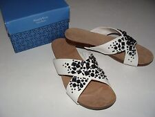 Simply Vera Wang Elly White Stones Sandals Size 9 NEW Shoes Women's NIB $64.99