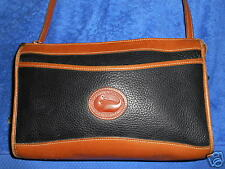 DOONEY & BOURKE BLACK & BROWN LEATHER MEDIUM MESSENGER SHOULDER BAG NICE.!!