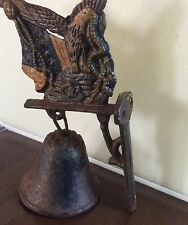 cast iron dinner bell, eagle and American flag bracket (KEE)