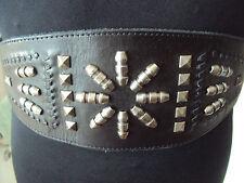 """Negro/Acero De Cuero Con Tachas Ancho Elástico Cinturón exterior ~ M-cintura de 32"""" ~! nuevo!"""