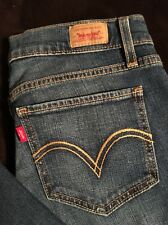 Levi's 524 Too Super Low Size 7LC