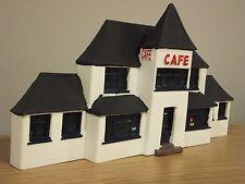 CORGI CLASSICS THE TOWERS CAFE LOW RELIEF FRONT DIORAMA MODEL CC10801 1:50