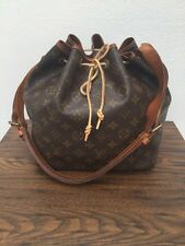 LOUIS VUITTON 100%  AUTHENTIC VINTAGE DRAWSTRING SHOULDER BAG LV LOGO HANDBAG