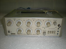 Anritsu MG442A Synthesized Level Generator, High Frequency Signal Generator