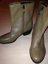 B. Makowsky Taupe Leather Ankle Zippered Boots Size 6