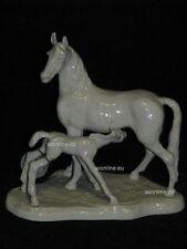 +# A001439_06 Goebel Archiv Muster Pferd Horse mit Fohlen CE272 TMK3 Plombe