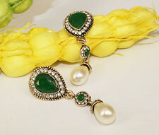 Gold Tone European Vintage Emerald Green Pear & White Pearl Drop Dangle Earrings
