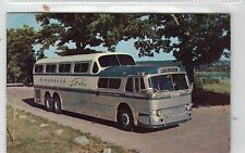 GREYHOUND BUS: USA postcard (C6037).