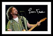 EDDIE VEDDER AUTOGRAPHED SIGNED & FRAMED PP POSTER PHOTO