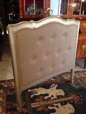 Tête de lit contemporaine de style Louis XV à patine argentée