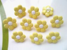 48pcs Novelty Button Daisy Flower Sewing Cardmaking Yellow White C 15mm