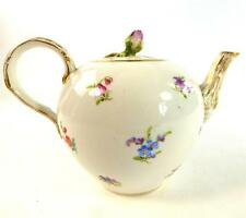 ANTIQUE GERMAN MEISSEN PORCELAIN TEAPOT SCATTERED FLOWER FLOWER BUD FINIAL