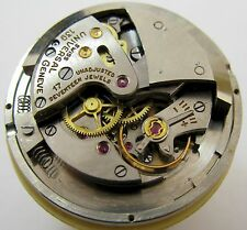 Universal Geneve 139 watch movement 17 jewels automatic bumper sweep sec. parts