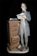 Lladro Spanish Porcelain Figurine 5213 ATTORNEY, Lawyer, Statesman