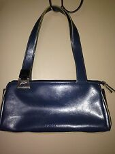 GUESS LADIES PURSE HANDBAG