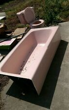 Retro Pink bathtub