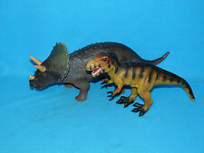 2 LARGE DINOSAURS T-REX AND TRICERATOPS