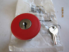 NEW TELEMECANIQUE ZB2BS14 RED MUSHROOM OPERATOR W/ 40MM KEY 25137
