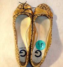 GUESS BALLET FLAT **SIZE 5.5 ** CLASSIC BEIGE COLOR WITH GOLD GUESS LOGO ON TOE