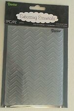 "DARICE EMBOSSING FOLDER - CHEVRON - 4.25"" X 5.75"" - 1218-68 CARD MAKING"
