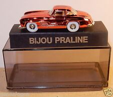 NEUF PIN'S BIJOU PRALINE HO 1/87 MERCEDES-BENZ ROUGE METAL IN BOX NEUF