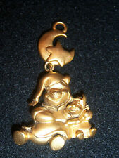 WALT DISNEY WINNIE THE POOH  AND PIGLET GOLD PENDANT NECKLACE
