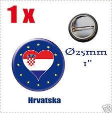 Badge Ø25mm Pays de l'europe des 28, drapeau en forme de coeur CROATIE