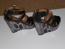 Kenneth Cole Reaction Women's Platform Black Sandals 5 Med