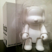 "DIY DOG QEE 8"" WHITE BLANK TOY2R COLLECTIBLE DESIGNER TOY ART FIGURE NEW w/ CD"