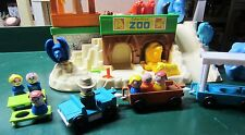 VINTAGE FISHER PRICE LITTLE PEOPLE ZOO PLAYSET -LOADED