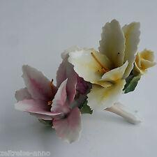 Zierporzellan figürlich Porzellan  Blumen Lilien Gesteck  Tischdeko