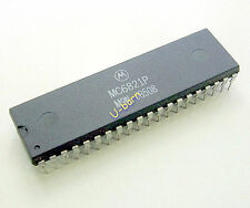 MOTOROLA MC6821P DIP-40 PERIPHERAL INTERFACE ADAPTER