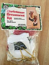 VINTAGE 1980 HOLIDAY INDUSTRIES CHRISTMAS Skate Boots ORNAMENT KIT NEW
