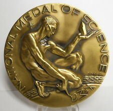 """RARE THE PRESIDENT OF THE USA *NATIONAL MEDAL OF SCIENCE"""" AWARD MEDAL, NUDE MALE"""